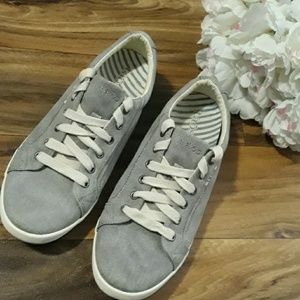 Taos Star Stonewashed  Gray Canvas sneakers